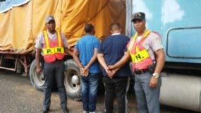 La cola recuperada con la mercancía le fue despojada el pasado miércoles mediante una asalto a mano armada en el Ingenio Cristóbal Colón, ubicado en la provincia San Pedro de Macorís.