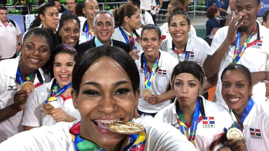 Las Reinas del Caribe disfrutan el sabor de la victoria en Juegos Centroamericanos, donde ganaron medalla de oro tras vencer a Colombia 3-0.