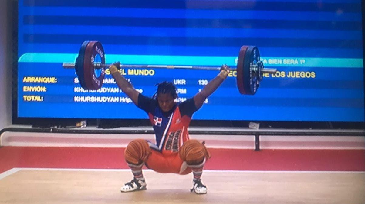 Crismery Santana gana oro en levantamiento de pesas en Juegos Centroamericanos