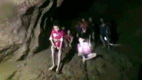 Tras más de dos semanas en la oscuridad de la cueva, los niños deberán adaptarse nuevamente a la vida al aire libre. BBC