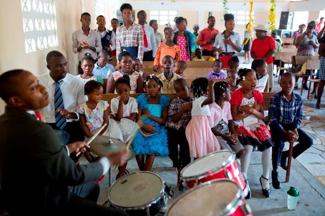 Haití busca formas de ayudar a menores librados a su suerte