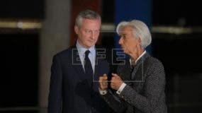 La directora gerente del Fondo Monetario Internacional (FMI), Christine Lagarde (c), y el ministro de Finanzas francés, Bruno Le Maire (i), participan este sábado 21 de julio de 2018, en la cumbre del G20, en Buenos Aires (Argentina). EFE