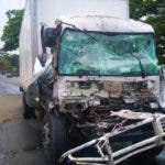 En el choque estaban involucrados dos camiones y un jeep.