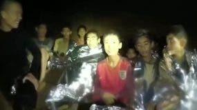Los primeros niños fueron rescatados de la cueva de Tailandia tras dos semanas atrapados. BBC.