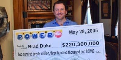 Brad Duke se hizo multimillonario de un día a otro pero no dejó de trabajar. BBC