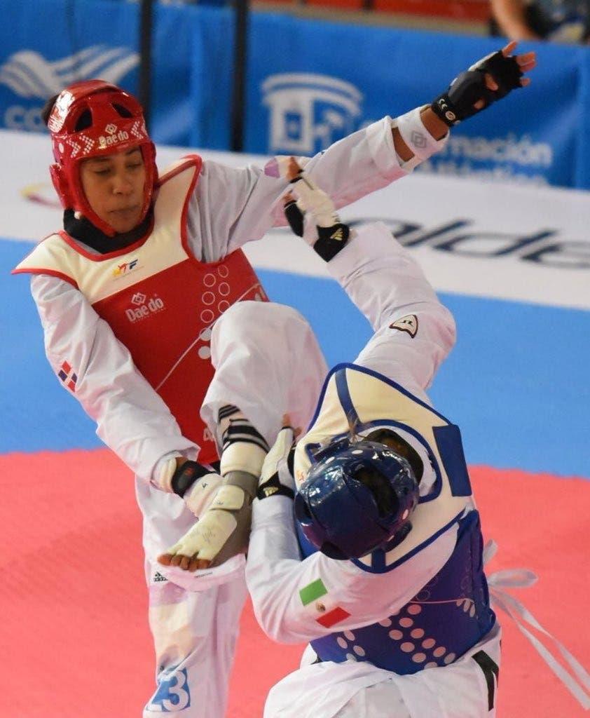 16. Katherine Rodríguez obtiene medalla de oro en la disciplina de taekwondo más 73 kg, en estos XXIII Juegos Centroamericanos y del Caribe.