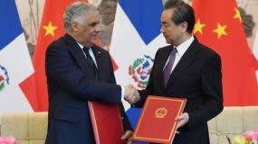 Desde que ambos Gobiernos anunciaran de manera conjunta el inicio de relaciones bilaterales al más alto nivel, hace casi tres meses, se ha producido una oleada de viajes de funcionarios, empresarios y periodistas desde Santo Domingo a Pekín.