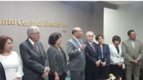 Julio César Castaños Guzmán, habló del tema al recibir en su despacho a miembros de Participación Ciudadana.