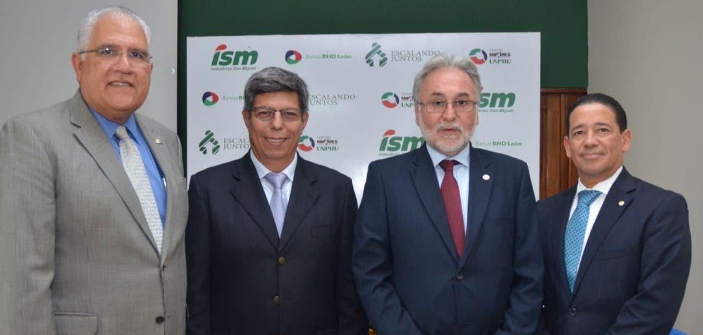 Luis Lembert, Enrique Rosas, Enrique Rosales y Adrián Guzmán.