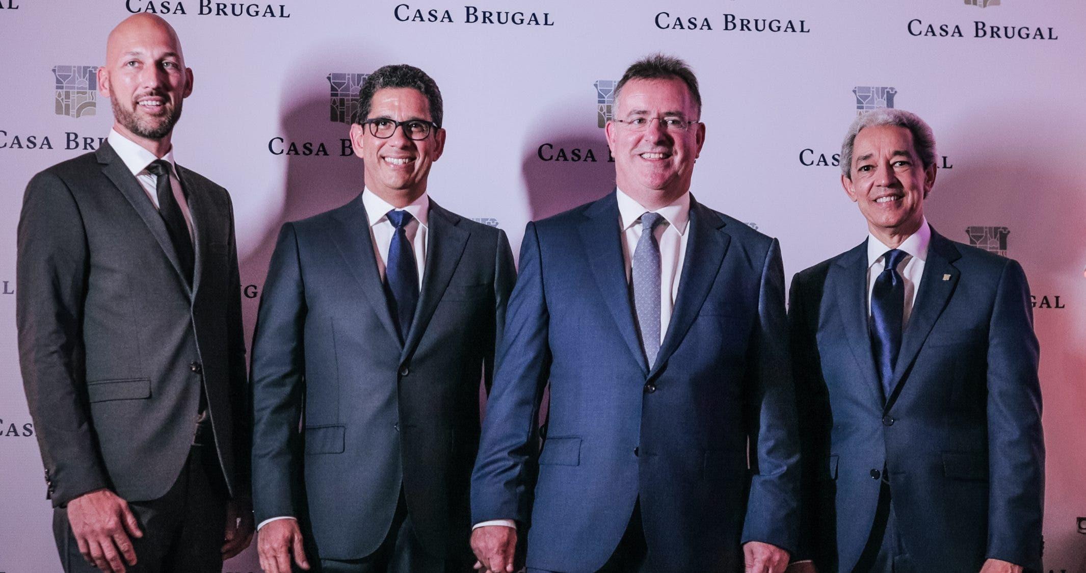 Tellis Baroutsis, Augusto Ramírez, Graham Hutcheon y Luis Concepción.