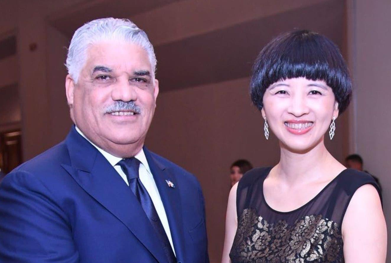Miguel Vargas Maldonado y  Fu Xinrong.