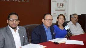 El presidente de Justicia y Trasparencia, Trajano Potentini, ofreció la información en rueda de prensa.