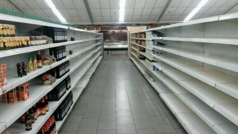 El desabastecimiento en los abastos y supermercados de Venezuela supera 80 por ciento. Tomado de Diario de las Américas