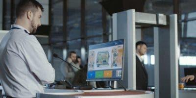 El sistema es más barato y requiere menos personal que los sofisticados equipos de los aeropuertos.