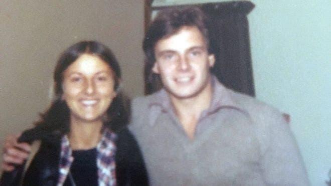 Chris Farmer y Peta Frampton, poco antes de emprender el viaje que acabaría con sus vidas.