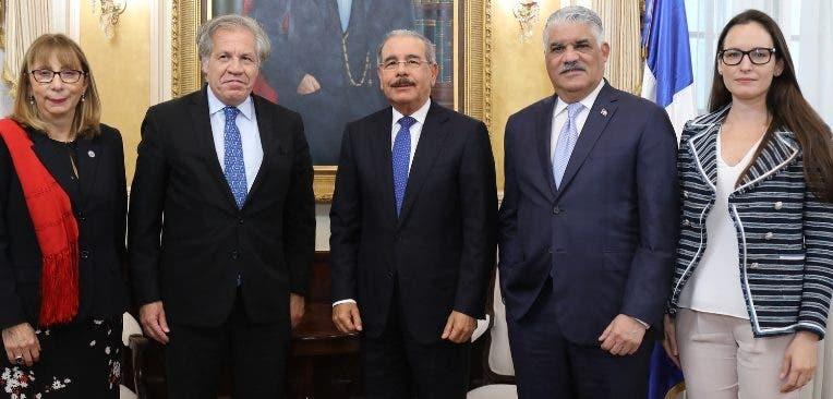 La visita de Luis Almagro a Medina en Palacio.  fuente externa