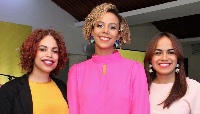 Pamela Luna, Icemil Guerrero y Virginia Báez, durante el lanzamiento.