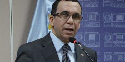 Andrés Navarro  informó que 200 colegios  pasaron a la modalidad de co gestión .  JOSE D. LEON