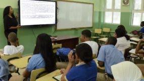 Estudiantes del Liceo Club Mauricio Báez están en la  modalidad de Tanda Extendida.  José  De León