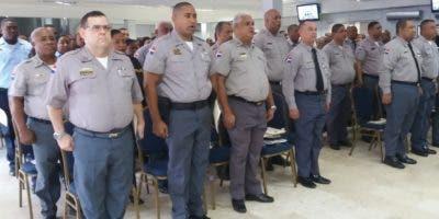 Plan tenía previsto iniciar con 251 policías, pero al correr la noticia en la sede sobre lanzamiento se fueron sumando más.