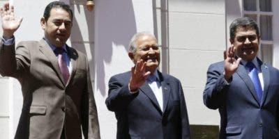 Los presidentes de Honduras, Guatemala y El Salvador.