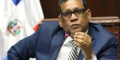 Rubén Maldonado entregará el cargo a Radhamés Camacho.