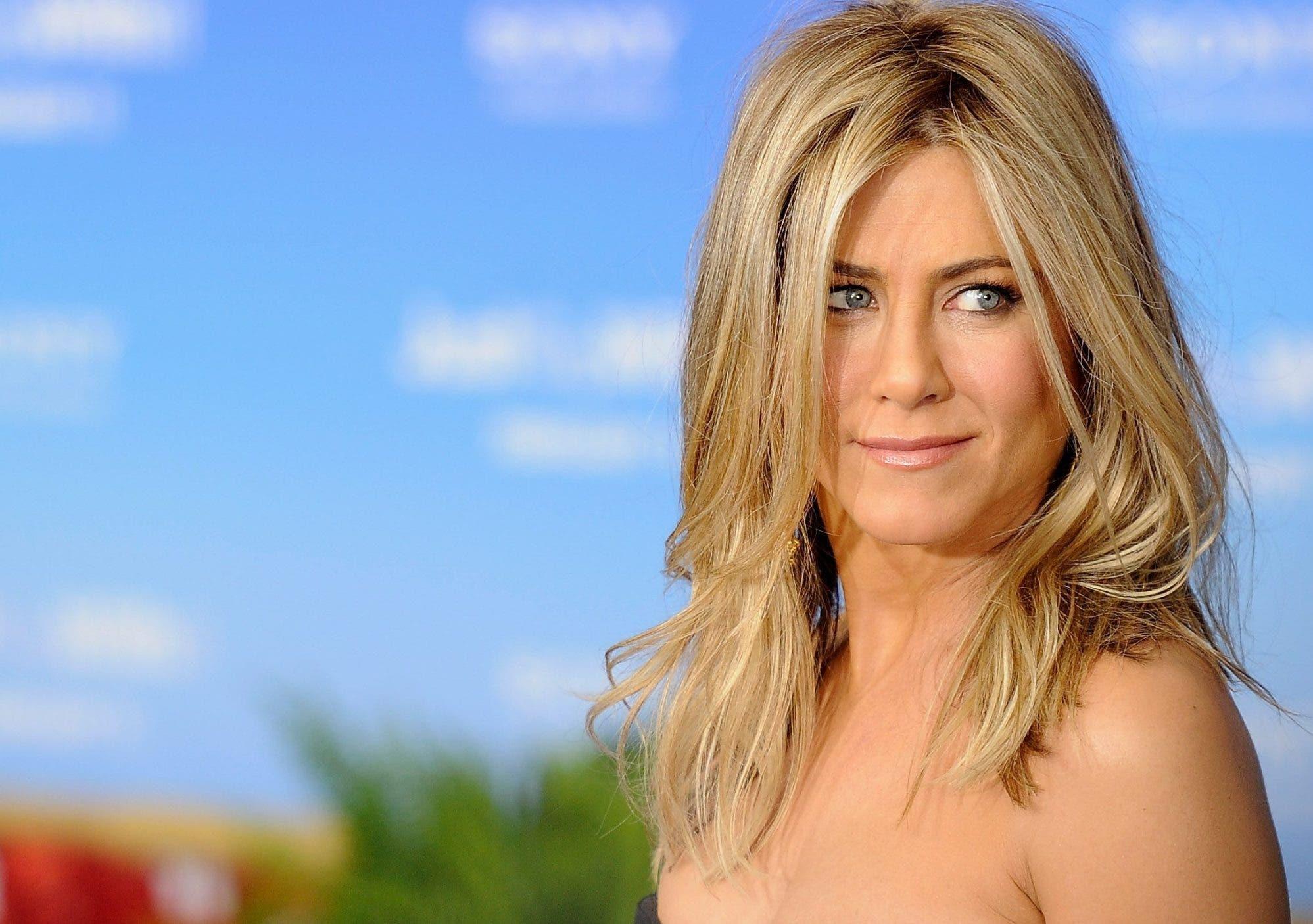 La nueva película de  la actriz  de 49 años  Jennifer Aniston,    cuenta la historia entre una ex reina de un  desfile   y su hija.    FUENTE EXTERNA