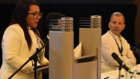 Athemayani Del Orbe Subero presenta detalles de políticas.