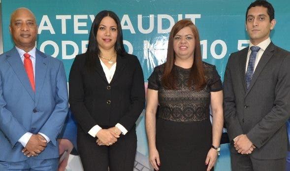 Felipe Montero, Evelyn Reynoso, Alba Pacheco y Gastón Thano.