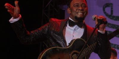 """""""Voy pa' alla"""" y  """"La pasola"""" primeros temas de  Anthony Santos."""
