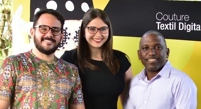 Camilo Di Crescenzo, Daniela Moreno y Rafael Vizcaíno muestran las novedades de Epson.