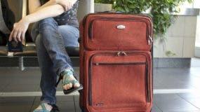 El pasajero fue abordado por la aduana que lo pararon.