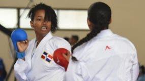 Ana Villanueva se ha convertido en una máquina de obtener medallas para la selección dominicana de karate.  Alberto calvo