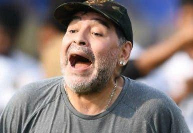 Diego   Maradona   provoca  polémicas en Argentina.