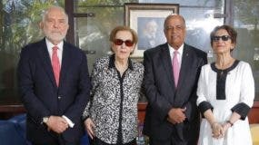 George Manuel Hazoury Peña, Elsa Peña Batlle de Hazoury, Juan Daniel Balcácer y Carmen Imbert Brugal.