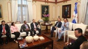 Reunión del Mandatario con miembros del Parlacen.
