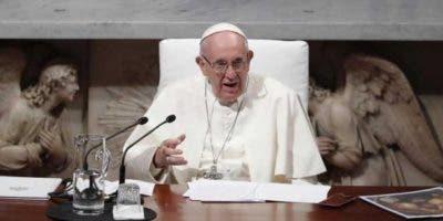 El papa Francisco se reunió este 25 de agosto del 2018 con ocho víctimas de abusos por parte del clero inglés. Foto:EFE