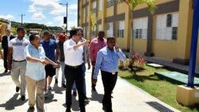 Navarro supervisa trabajos en Hato Mayor.fuente externa