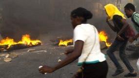 Conatos de incendios  en repudio alza combustible .