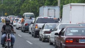 Tapones abarcan  1.2 kilómetros  por vía cerrada.  Elieser Tapia