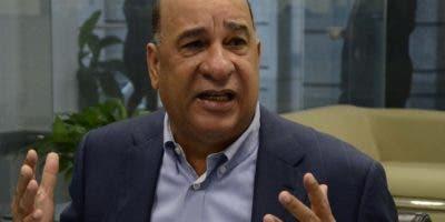 Rojas Gómez expresa que a Danilo Medina le conviene que se continúe su obra de gobierno,  y la mayor experiencia acumulada la tiene  Leonel.  josé de león