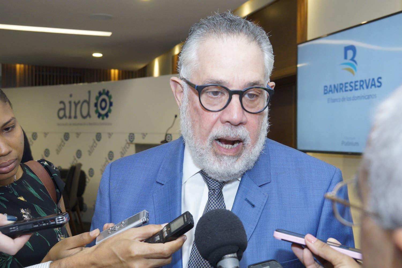 Campos de Moya, presidente de la AIRD, dijo que el empresariado no está de acuerdo con una nueva modificación a la Constitución para permitir la reelección presidencial.