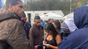 cientos-venezolanos-ecuador-eliminacion-pasaporte_ediima20180825_0317_4