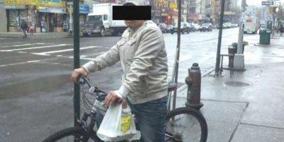 Continúan asaltos en Alto Manhattan y Bronx a deliveries de restaurantes.
