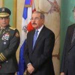 El teniente general Paulino Sem fue confirmado como ministro Defensa.