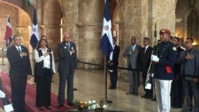 Wilson Gómez Ramírez y otros directivos del Instituto Duartiano en el Panteón Nacional.