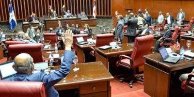 Los legisladores aprobaron la Ley de Partidos sin hacer caso a la JCE.  ARCHIVO