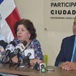 Miriam Díaz Santana (centro), coordinadora nacional de Participación Ciudadana,  resaltó los daños que provoca la corrupción al país.