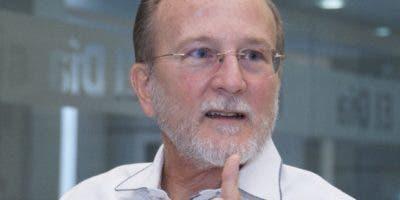 Cree que la sangre nueva con asesoría de los expertos pueden transformar el sector público.