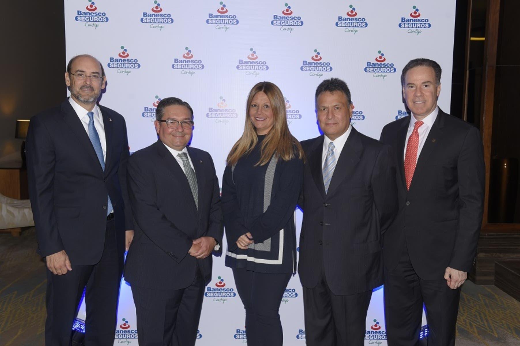 Roberto Despradel, Carlos Luengo, María Clara Alvárez, Luis Miguel López y Mario Oliva.